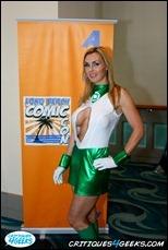 01-long-beach-comic-con-2011-cosplay-tanya-tate
