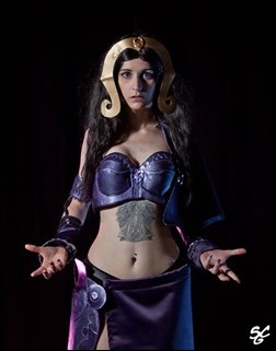 Stacey Rebecca as Liliana (Magic the Gathering) (Photo by Lucas @ SCG - Super Cosplay Girls)