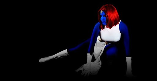 Lossien as Mystique (Photo by SuperHero Photography by Adam Jay)