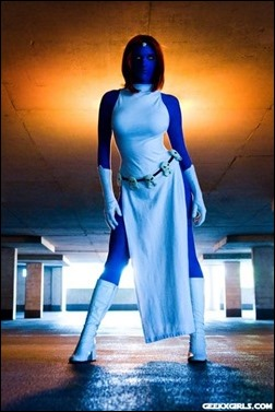 Lossien as Mystique (Photo by Wandering Dana)