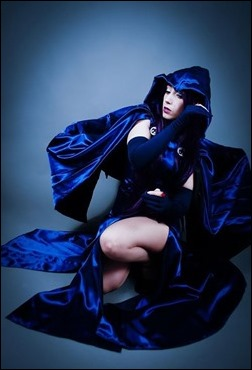 Neferet as Raven (Photo by Adrian Ummo)