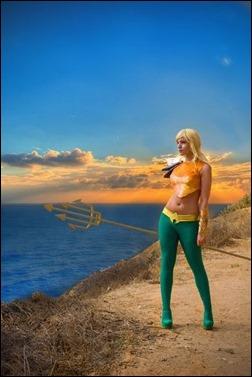 Tenleid Cosplay as Earth 11 Aquaman