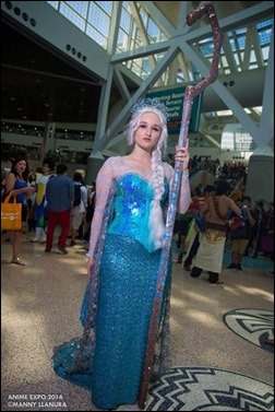 Alexandria the Red as Queen Elsa (Photo by Manny Llanura Photography)