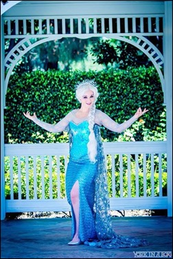 Alexandria the Red as Queen Elsa (Photo by York in a Box)