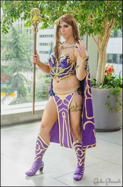 Jerikandra Cosplay as Queen Antonia Bayle of Everquest 2 (Photo by Fearless Photoworks)