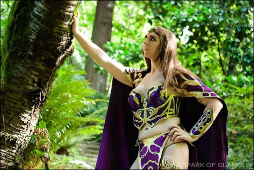 Jerikandra Cosplay as Queen Antonia Bayle of Everquest 2 (Photo by A Spark of Glamour)