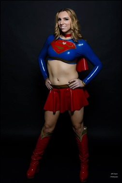 Jerikandra Cosplay as Supergirl (Photo by Bill Hinsee Photography)