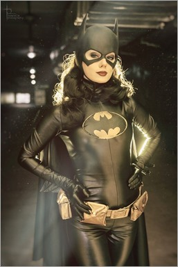 Kamiko Zero as Batgirl (Helena Bertinelli) (Photo by Topatella)