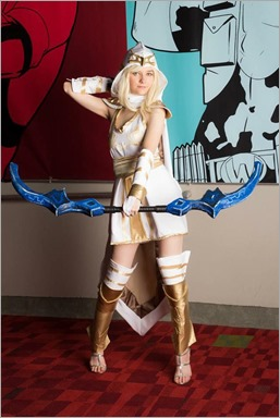 Musable Cosplay as Freljord Ashe (Photo by Johnny H Le)